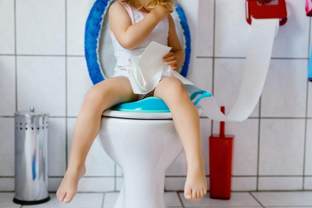 Bonne position aux toilettes